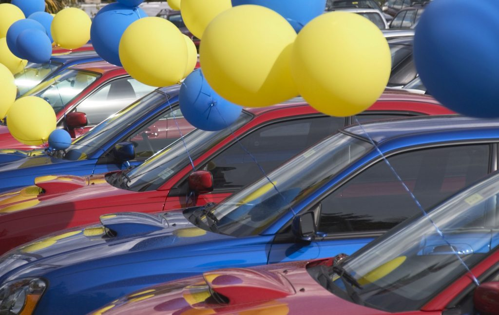 balloons celebrating Auto Loans AZ