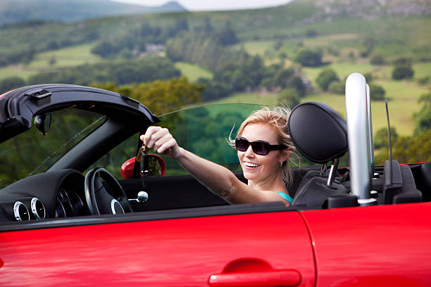 woman driving convertible   bad credit auto loans glendale
